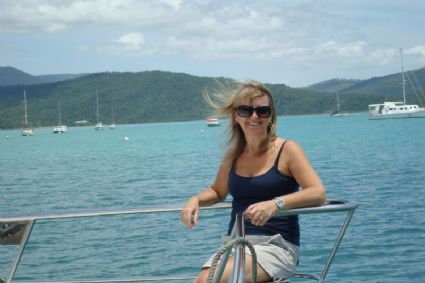 Cruising Away From Airlie Beach