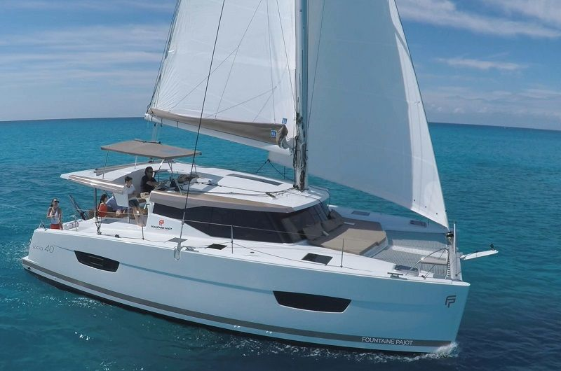 Lucia 40, Cumberland Charter Yachts