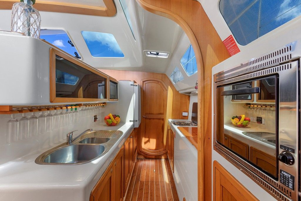 Perry 44.5 - Galley