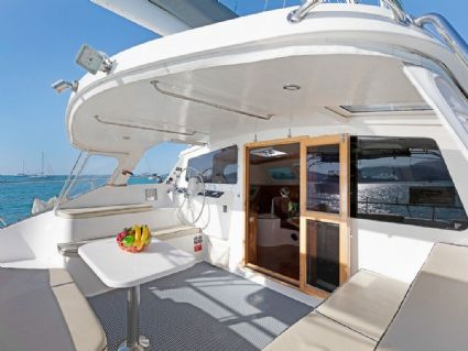 Mango Tango - Perry 43 3 Cabin, Aft Deck and Dining, Cumberland Charter Yachts Whitsundays