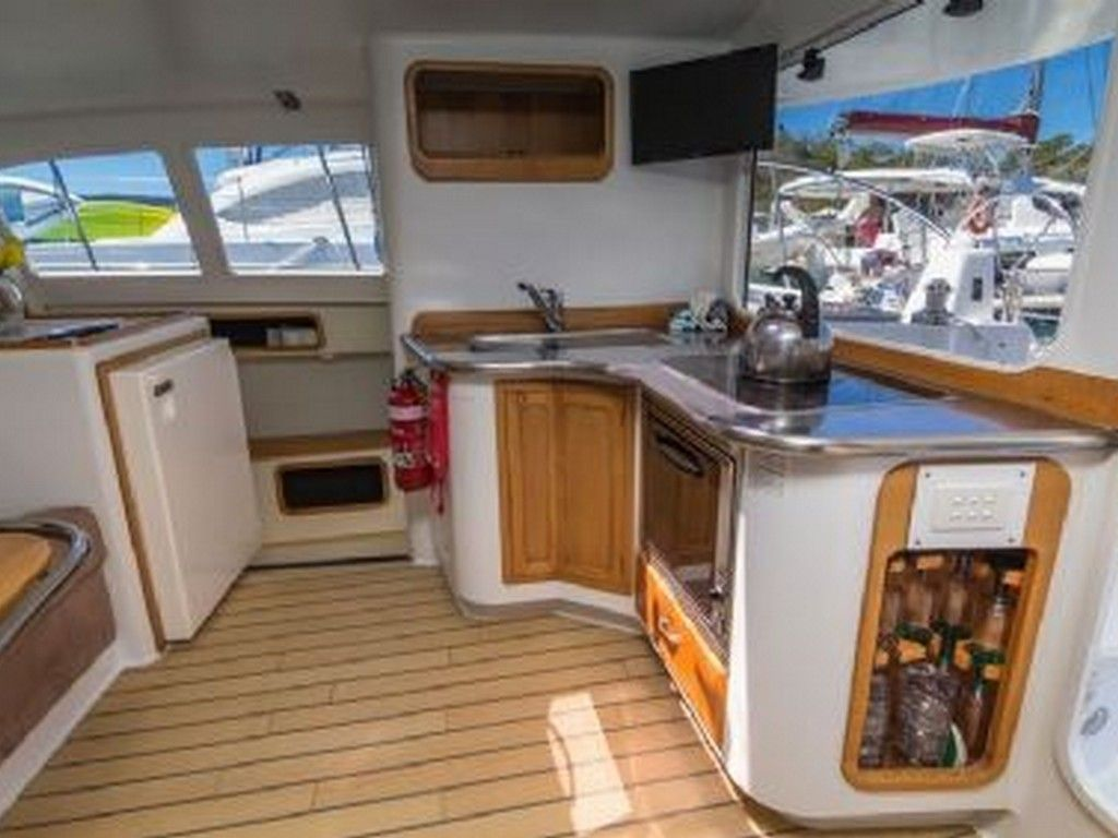 Latitude 1035 - Galley