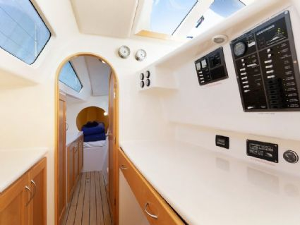 Charisma - Lightwave 38 Power Catamaran, Aft Deck Dining, Cumberland Charter Yachts Whitsundays