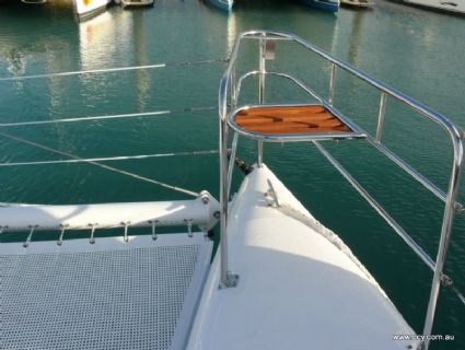 Seat on Foredeck