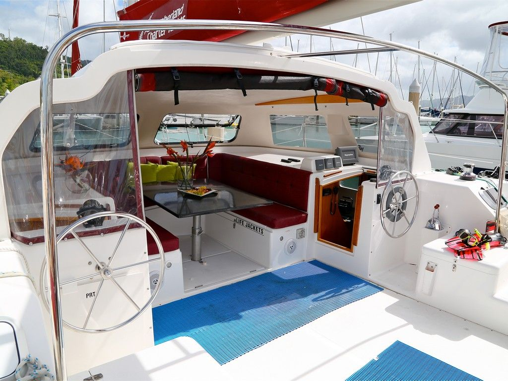 Seawind 1000xl - Saloon and aft deck